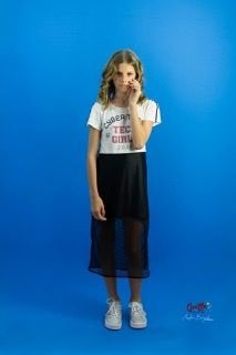 Vestido com transparecia na saia