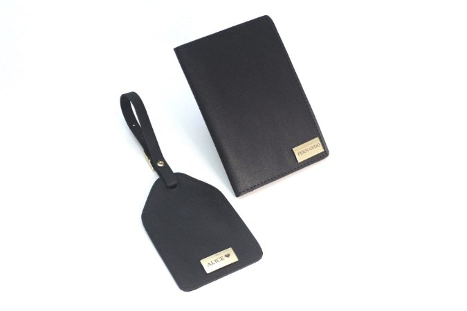 Kit tag de mala + porta passaporte preto personalizado