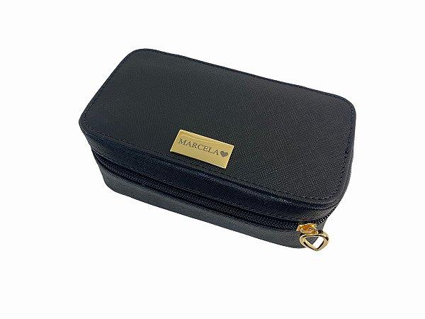 Necessaire Leticia P prada preto ferragens douradas personalizada
