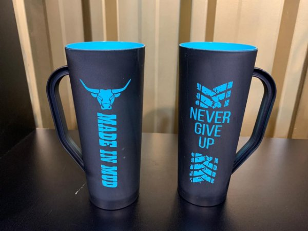 Caneca Slim Made in Mud Never Give Up AZUL TIFFANY