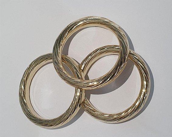 Argola em ABS Frizada - Dourada - 50mm - 5cm - *venda por unidade*