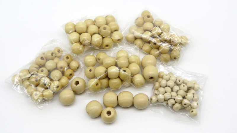 Bola de Madeira (Passante) - 8 mm(pacote com 50 bolas) - 12 mm (pacote com 30 bolas) - 14 mm(pacote com 25 bolas) - 16 mm(pacote com 10 bolas)