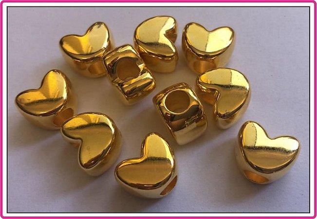 Entremeio - Coração Dourado - Tamanho 15 mm X 12 mm - Furo Largo - (Pacote com 10 unidades)