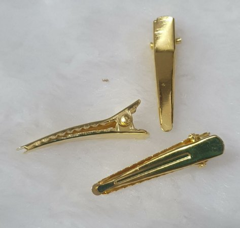Presilha, Bico de Jacaré, Bico de Pato, Prendedor - Material: Metal dourado - 33 mm