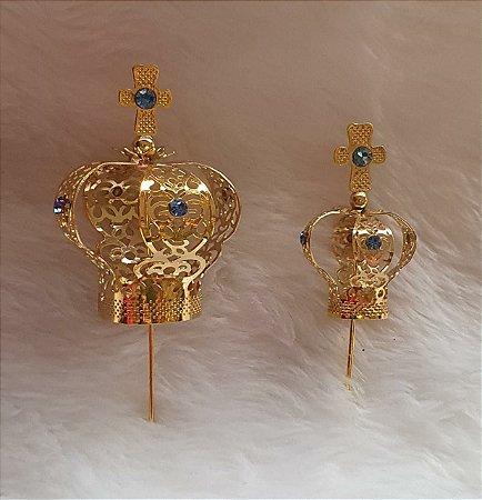 Coroa de Metal  Folheada a ouro e com cristal. Tamanhos 2 e 4 -