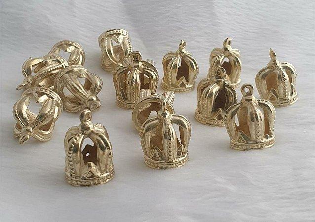 Coroa de metal dourada 22 X 18mm - Venda por Unidade