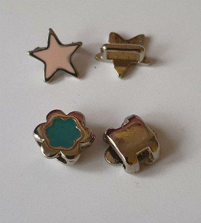 Passante de metal, Passa Fita ou cordão  - Estrela e Flor - Medidas na descrição - Embalagem com um par -