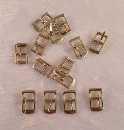 FIVELA DE METAL, Cor Dourada , Tamanho 19mm X 12mm - Embalagem com 10 unidades