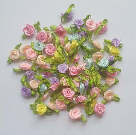 Flor Rococó de cetim.  pcte c/ 10 unidades, tamanho aproximado 2,5 x 1,5 cm