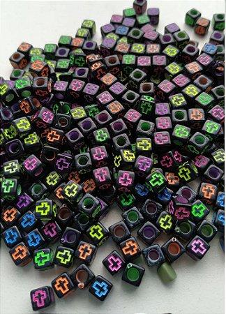 Passante Dado Dadinho- Preto com cruz colorida - 6mm -  *Pacote com 50 gramas*
