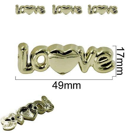 Aplicação ABS LOVE Dourada - Tamanho: 17MM x 49mm (1,7x4,9cm) - Embalagem com2 unidades