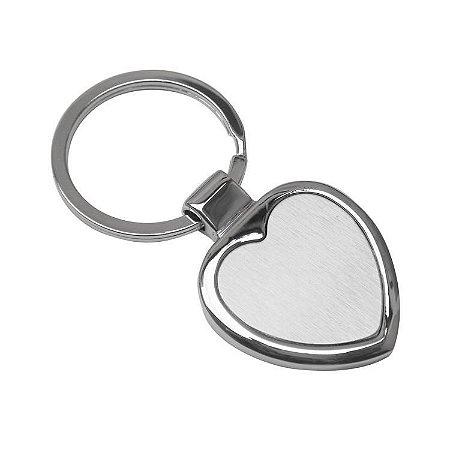 Chaveiro metálico em formato de coração