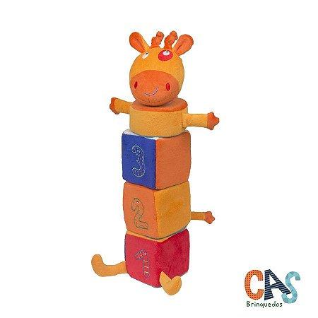 Girafa Amiga Pirâmide - Bicho de Pelúcia