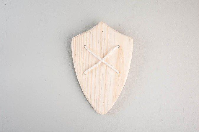 Kit 1 escudo e 1 espada pirata de madeira pinus