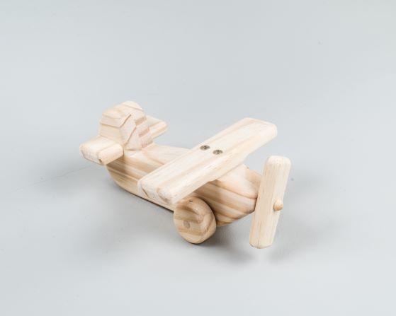 Avião de madeira pinus