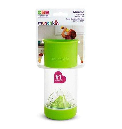 Copo  infusor de frutas  18 meses +