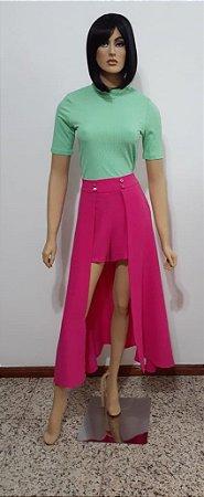 Shorts curto de tecido plano com saia sobreposta longa