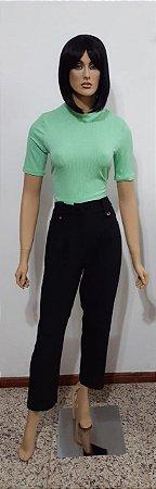 Blusa cropped com costas abertas e amarração