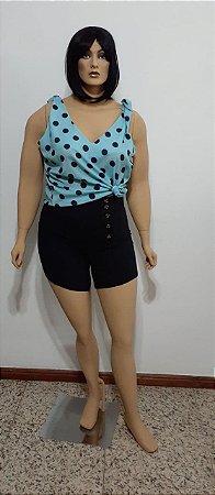 Shorts cintura alta tecido plano com abotoamento de botões na cintura
