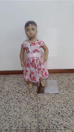 Vestido estampa floral com faixa de amarrar de termocolantes