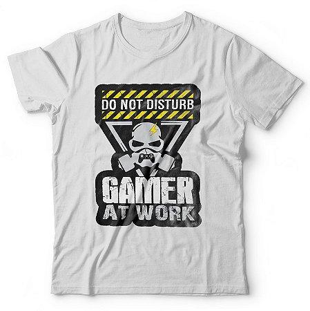 Camiseta Não Incomode, Gamer em trabalho