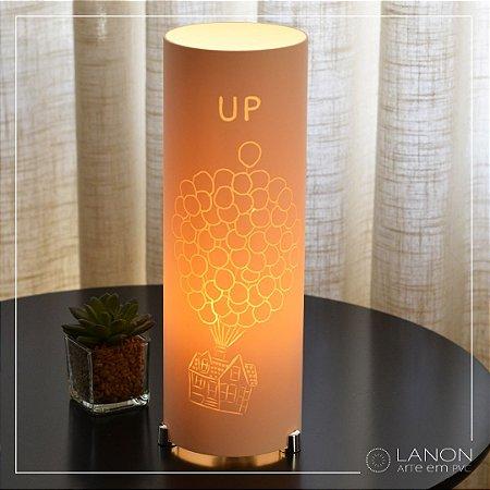 Luminária de mesa decorativa - UP Altas Aventuras
