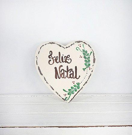 Coração de Madeira Provençal Bege - Feliz Natal