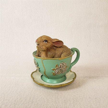 Xícara com coelho - Resina 10cm