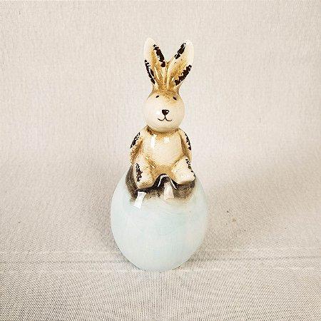 Coelho de cerâmica no ovo - Azul 12cm