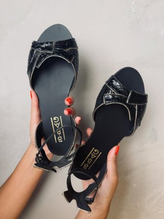 Sandália em Python Black Artesanal