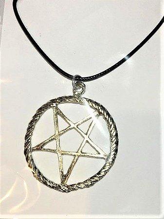 Colar em couro com Medalha Estrela 5 pontas Pentagrama