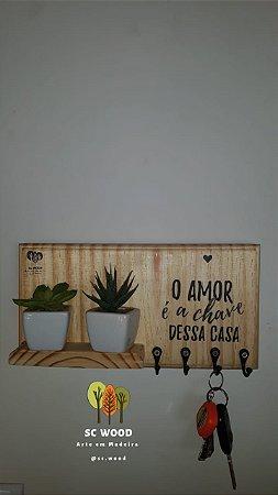 """Modelo: Chaveiro 3 """"O amor é a chave dessa casa"""""""