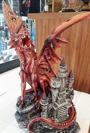 Dragão Vermelho no Castelo