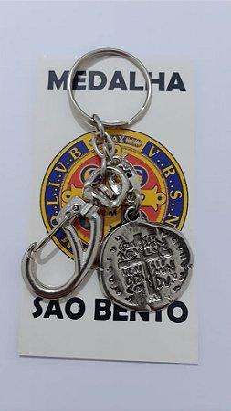 Chaveiro Medalha Duas Cruzes 24mm com Mosquetão