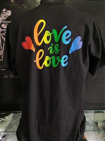 Camisa Love is Love