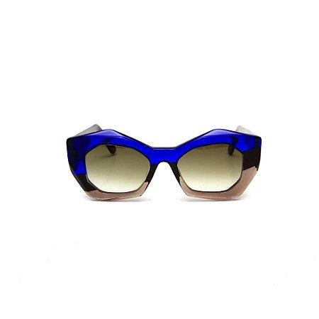 Óculos de Sol Gustavo Eyewear G108 3. Cor: Azul translúcido, preto e fumê. Haste preta. Lentes cinza.
