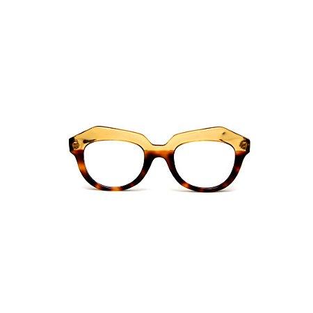Armação para óculos de Grau Gustavo Eyewear G37 103. Cor: Animal print e âmbar translúcido. Haste animal print.