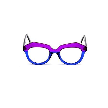 Armação para óculos de Grau Gustavo Eyewear G37 5. Cor: Violeta e azul translúcido. Haste preta.