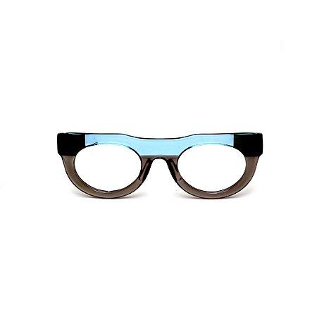 Armação para óculos de Grau Gustavo Eyewear G120 5. Cor: Azul, fumê translúcido e preto. Haste preta.