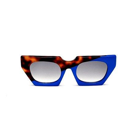 Óculos de Sol Gustavo Eyewear G137 3. Cor: Animal print e azul opaco. Haste animal print. Lentes cinza.