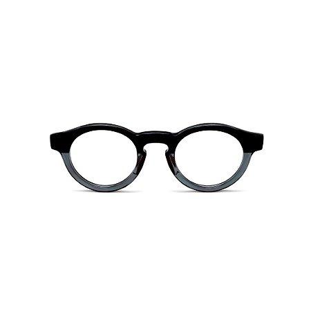 Armação para óculos de Grau Gustavo Eyewear G29 2. Cor: Preto e fumê translúcido. Haste preta.