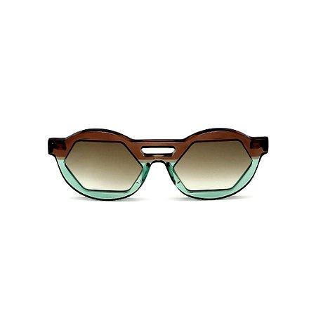 Óculos de Sol Gustavo Eyewear G134 2. Cor: Marrom e verde translúcido. Haste preta. Lentes marrom.