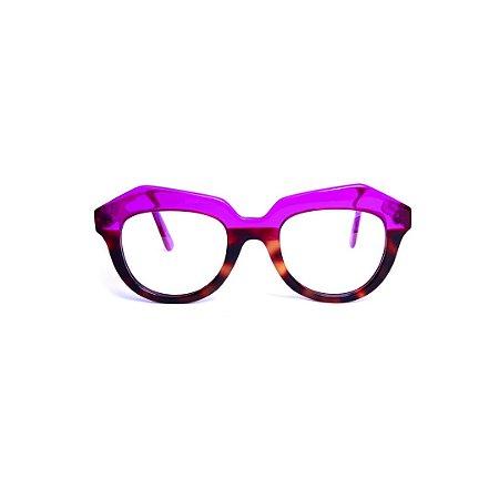 Armação para óculos de Grau Gustavo Eyewear G37 15. Cor: Violeta translúcido com animal print. Haste animal print.
