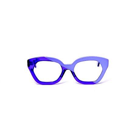 Armação para óculos de Grau Gustavo Eyewear G70 24. Cor: Azul opaco com azul translúcido. Hastes azul e preta.