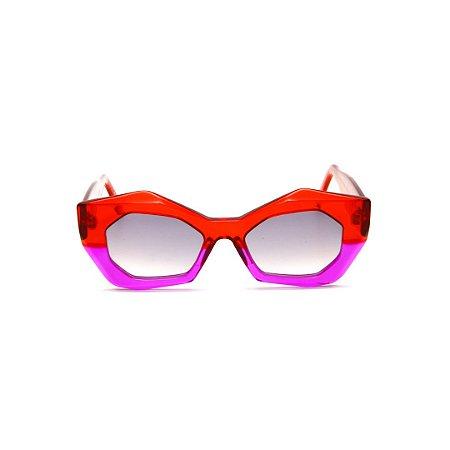 Óculos de sol Gustavo Eyewear G92 10. Cor: Vermelho e violeta translúcido. Haste vermelha. Lentes cinza.