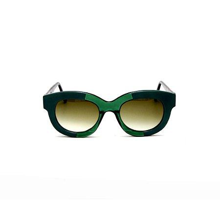 Armação para óculos de Grau Gustavo Eyewear G12 1. Cor: Verde opaco e verde translúcido. Haste preta. Lentes marrom.