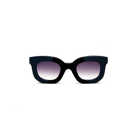 Óulos de sol Gustavo Eyewear G31 5. Cor: Verde opaco e translúcido. Haste animal print. Lentes cinza.