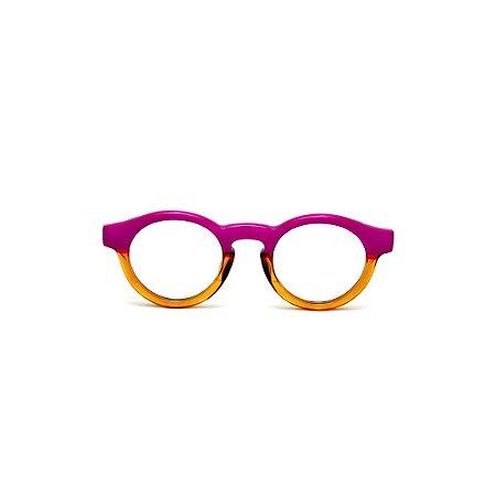 Armação para óculos de Grau Gustavo Eyewear G29 12. Cor: Violeta opaco e âmbar translúcido. Modelo masculino. Haste violeta.