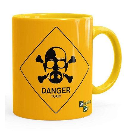 Caneca Breaking Bad Heisenberg Danger Toxic Amarela