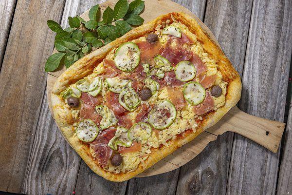 Pizza Levain Zucchini Com Presunto Parma Grande
